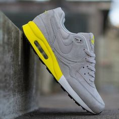 Nike Air Max Light Premium: Grey/White/Yellow In love with these
