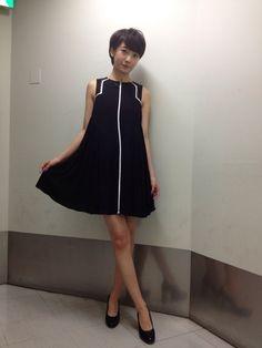 こんな感じでした~黒で落ち着いてるけど、ちょっと個性的な感じ Pretty Woman, Ballet Skirt, High Neck Dress, Lady, Skirts, Photography, Beautiful, Beauty, Dresses