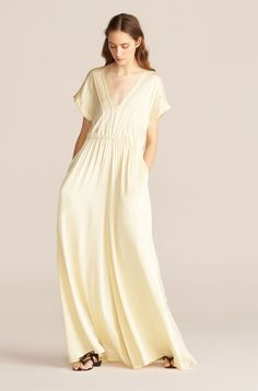 Wondering what to wear to a spring wedding? We've got all the 2021 trends and 50 spring wedding guest dresses to get you started. What To Wear To A Wedding, How To Wear, Jumpsuit Images, Wedding Guest Style, Silk Charmeuse, Bridesmaid Dresses, Wedding Dresses, Jumpsuit Dress, Chic Dress