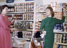 Self-selection shopping, Broadhurst & Barcham Sydney, circa Photographer: Jack Hickson. Retiring curator Alan Davies selects his favourite photographs from the State Library of NSW collection Vintage Girls, Retro Vintage, Australian Food, Estilo Retro, Betty Crocker, Vintage Shops, Cool Photos, My Style, Shopping