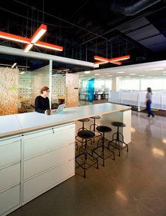 Indrukwekkende interieurarchitectuur in kantoor van Amerika's grootste internetaanbieder - Roomed   roomed.nl