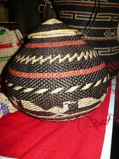 Artesanía indígena de Venezuela. Cestas tejidas