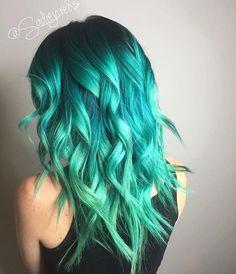 teal turqouise hair