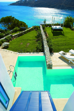 Endless Blu Villa on the Waterfront, enjoy prime locations