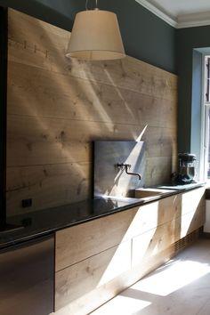 Dinesen-showroom-kitchen-by-Garde-Hvalsoe-via-Hviit-blog-Remodelista-4 Follow Us, Best Interior Design, Flat Screen, Content, Electronics, Instagram, Beautiful Kitchens, Consumer Electronics, Beautiful Kitchen