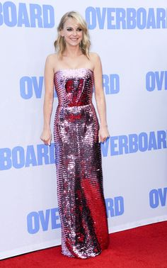 Anna Faris channels Goldie Hawn at Overboard premiere – hobbythink Anna Faris, Actor Chris Pratt, Strapless Dress Formal, Formal Dresses, Long Dresses, Goldie Hawn, Blonde Beauty, Celebrity Look, Star Fashion