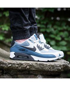 廉价的耐克空气最大90基本蓝白色灰色培训师 Air Max 90 Sale, Air Max Sneakers, Sneakers Nike, Grey Trainers, Cheap Nike Air Max, Sale Uk, Blue And White, Black, Essentials
