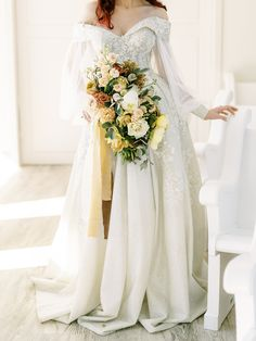Stunning Fall Florals Wedding Inspiration – Amy Odom Photography – Brighton Abbey – Bridal Musings 16