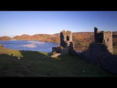 Three Castle Head, Dunlough Castle, West Cork, Ireland - A quick video tour of Three Castle Head and Dunlough Pier in West Cork, Ireland. Three Castle Head is home to Dinlough Castle which was built in 1208 by the O'Mahoney Clan. http://www.ireland-travels.com http://www.facebook.com/IrelandTravels http://www.youtube.com/user/TravelToIreland