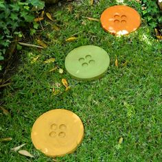 Make these cement button stepping stones and add some whimsey to your garden path.