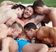 HOMBRES EN AMISTAD