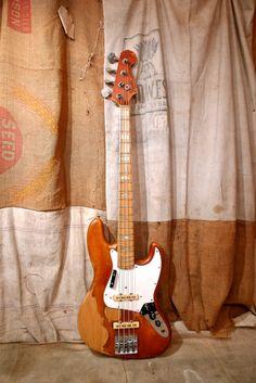 Bass Guitar Notes, Fender Bass Guitar, Guitar Shop, Cool Guitar, Fender Vintage, Vintage Guitars, Fender Bender, Fender Squier, Instruments