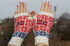 Nata Mohn Fingerless Gloves, Arm Warmers, Winter, Fashion, Poppy, Fingerless Mitts, Winter Time, Moda, Cuffs