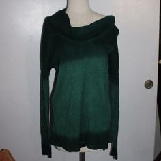 Green Ombré NWT long sleeve sweater so soft & cute Casual Studio Green Ombré NWT long sleeve sweater so soft & cute Topshop Tops