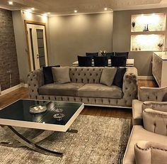 A redecorated lounge, eye-catching decor. From the spring lady's house. - Decoration for All Living Room Designs, Living Room Decor, Living Spaces, Home Design, Interior Design, Upcycled Home Decor, Decoration Design, Spring Home, Drawing Room