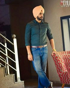 Punjabi Boys, Punjabi Couple, Fashion Sale, Mens Fashion, Mens Kurta Designs, Men Closet, Turban Style, Fashion Updates, New Outfits