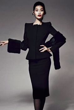 The complete Zac Posen Pre-Fall 2014 fashion show now on Vogue Runway.