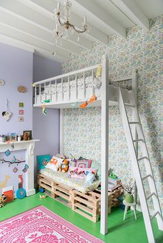 fantastic bunk beds / kids room