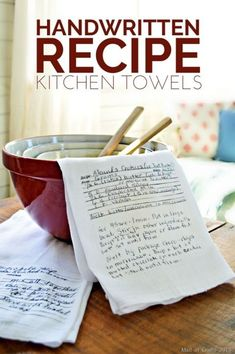I used some of my family's handwriting and turned it into handwritten recipe kitchen towels. Creative Birthday Ideas, Birthday Ideas For Her, Creative Ideas, Diy Holiday Gifts, Diy Gifts, Christmas Diy, Homemade Christmas, Gift Crafts, Holiday Crafts