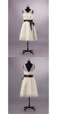 V-neck Chiffon Bridesmaid Dress Uk Short Knee-length Dress  #shortbridesmaiddress