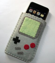 #Felt, #Fieltro Felt gameboy smartphone case, Funda de smartphone gameboy de fieltro