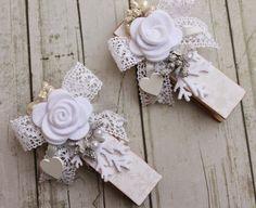 Ciao a tutte e ben ritrovate. Il progetto di oggi, nasce come un'idea per una bomboniera di nozze per la sposa d'inverno, e si presta a div...