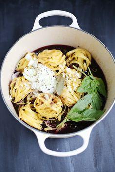 One pot red wine pasta