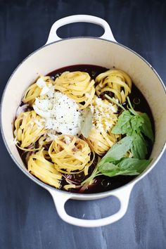 One pot red wine pasta
