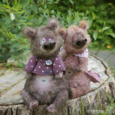 Из-за леса, из-за гор В гости к нам пришёл Егор. Он с Макаром очень дружен - Третий-лишний им не нужен :) Дом нашли / SOLD #мишкиириныкунах #мишкатедди #мишка #медведь #тедди #теддимишка #teddy #teddybear #bear