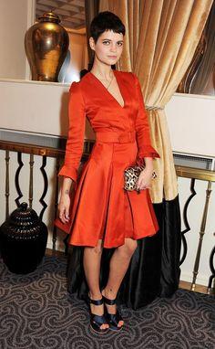 Celebridades con vestidos naranja. Toques cítricos en la alfombra roja  Pixie Geldof
