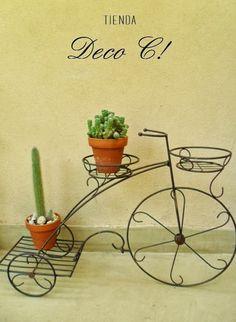 Triciclo con tres porta macetas: Tienda Deco C