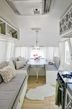 Dream kitchen here. Simple glam and minimalistic! Ontwerpfabriek Snor: Pimp je caravan