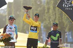 """2016 24/7 rit 21 Paris/Champs-Élysées > Le Tour 2016 overall podium: 2nd Romain Bardet +4'05"""", 1st Christopher Fromme 89:04'48"""", 3rd Nairo Alexander Quintana Rojas +4'21"""""""