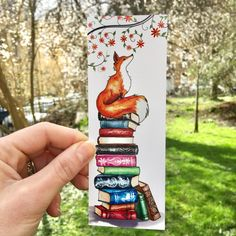Foxy and Book Stack Bookmark This makes such a pretty literary gift for all book lovers who adore both animals with books. We love foxes and books Creative Bookmarks, Paper Bookmarks, Cute Bookmarks, Watercolor Books, Watercolor Bookmarks, Watercolour Illustration, Bookmark Craft, Book Markers, Book Drawing