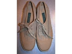 Vintage 80's Shoes  Mesh Canvas & Sisal Deck by CommonCentsThrift