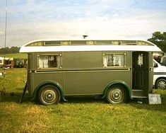 """old trailer style called a """"showmans waggon"""" (British spelling). Descended from gypsy caravans in the it reached a peak in the UK between the wars Retro Caravan, Camper Caravan, Gypsy Caravan, Airstream Trailers, Cargo Trailers, Gypsy Wagon Interior, Boat Interior, Small Camping Trailer, Truck Camping"""