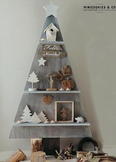 Unusual Christmas trees Source by legologo Pallet Christmas, Wood Christmas Tree, Christmas Makes, Christmas Mood, Noel Christmas, Rustic Christmas, Xmas Tree, Christmas Projects, Christmas Ornaments