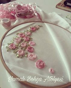 Wonderful Ribbon Embroidery Flowers by Hand Ideas. Enchanting Ribbon Embroidery Flowers by Hand Ideas. Ribbon Embroidery Tutorial, Hand Embroidery Flowers, Embroidery Patterns Free, Silk Ribbon Embroidery, Embroidery Hoop Art, Hand Embroidery Designs, Lace Applique, Ribbon Art, Ribbon Crafts