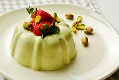 Prepara una deliciosa gelatina de pistache para el postre con un toque Philadelphia. ¡Conoce todas nuestras recetas de postre que tenemos para tí!
