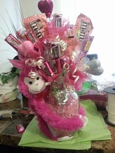 30 Easy and Beautiful Valentine Candy Bouquet Ideas - HomeCoach - Valentine Candy Bouquet Ideas 2 - Best Valentine Gift, My Funny Valentine, Valentine Day Crafts, Valentine Decorations, Candy Bouquet Diy, Valentine Bouquet, Gift Bouquet, Candy Boquets, Valentines Day Baskets