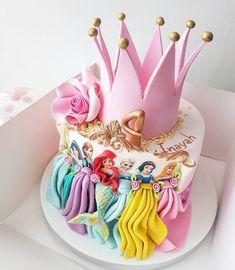 Custom Princess Birthday Party Ideas and Decorations Disney Princess Birthday Cakes, Princess Birthday Party Decorations, 4th Birthday Cakes, Princess Theme Party, Disney Birthday, Pink Princess Cakes, Birthday Crowns, Birthday Celebration, Bolo Rapunzel