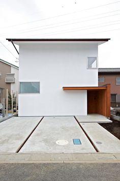 正面をみる: (有)菰田建築設計事務所が手掛けた家です。