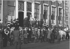 Intocht Sinterklaas Ossemarkt  Groningen 1959