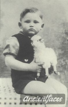 Serge-Max Borstcher gassed in Auschwitz on Aug. 22, 1942 at age 3.