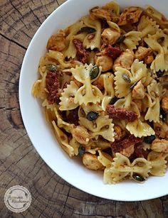 Udka z kurczaka pieczone z ryżem | Wyzwania Kuchenne Pasta Recipes, Salad Recipes, Slow Food, Food Blogs, Healthy Dinner Recipes, Food Inspiration, Food Design, Food And Drink, Healthy Eating
