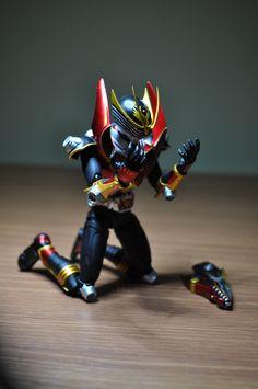 S.H. Figuarts Kamen Rider Ryuki SURVIVE