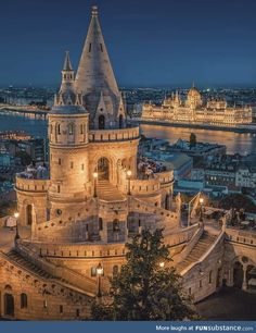 Thinking about vacation in Budapest? Explore the Little Paris of Middle East with these charming must visit places in Budapest -the capital city of Hungary. Cool Places To Visit, Places To Travel, Places To Go, Travel Destinations, Wonderful Places, Beautiful Places, Budapest Travel, Budapest City, Voyage Europe