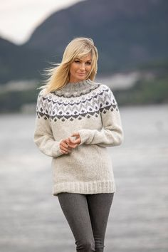 Nordic Sweater, Vikings, Cool Outfits, Turtle Neck, Nice Clothes, Wool, Knitting, Sweaters, Patterns