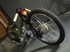 Honda Custom by Rad Jalopy - Lsr Bikes Honda Cub, Scooter Custom, Custom Bikes, Honda Motorbikes, Vintage Honda Motorcycles, Bike Cart, Motor Scooters, Motorcycle Art, Mini Bike