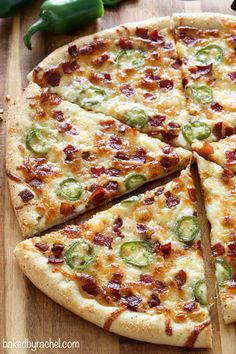 Extra cheesy thin crust jalapeño popper pizza with salty bacon crumbles! Your favorite appetizer in pizza form! Gourmet Pizza Recipes, Grilled Pizza Recipes, Flatbread Pizza Recipes, Cooking Recipes, Best Pizza Dough, Good Pizza, Bacon Pizza, Pizza Pizza, Pizza Sides